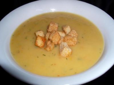 Суп-пюре картофельный с гренками
