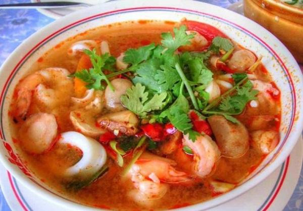 Рецепты супов: горячий и кислый тайский суп из креветок