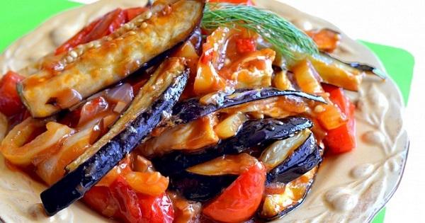 Китайская закуска: баклажаны с кисло-сладким соусом