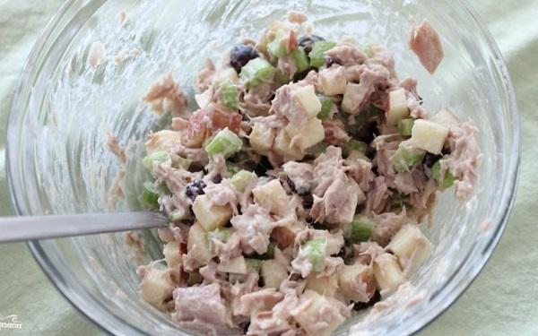 Рецепты легких и простых рыбных салатов