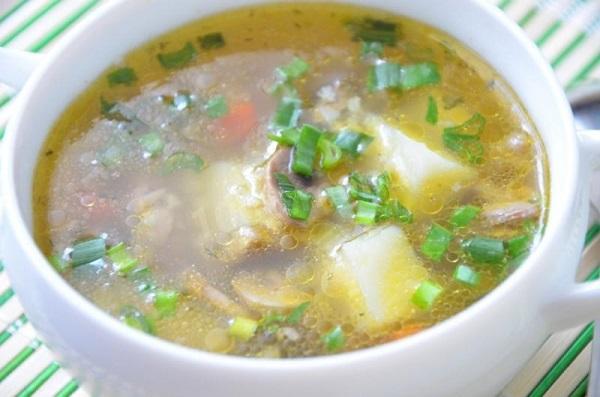 Пшеничный суп с грибами в мультиварке