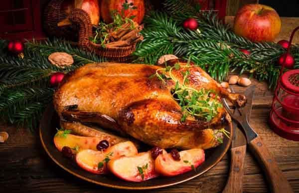 Традиционное блюдо нового года – гусь с яблоками