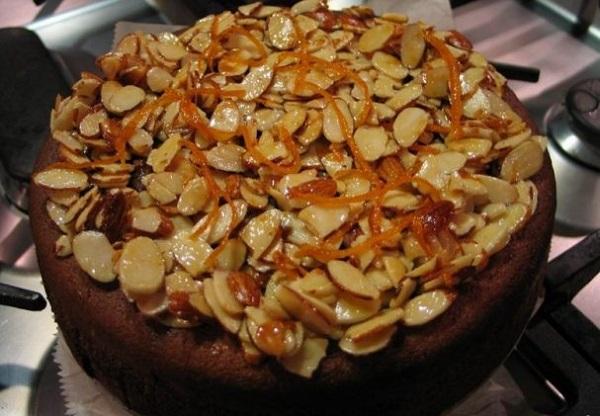 Рецепт шоколадного торта с миндалем