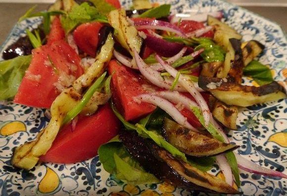 Баклажаны с томатами и болгарским перцем