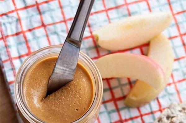 Яблоко с арахисовым маслом — рецепт