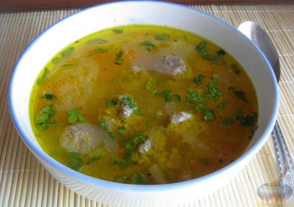 Мясной суп с фрикадельками