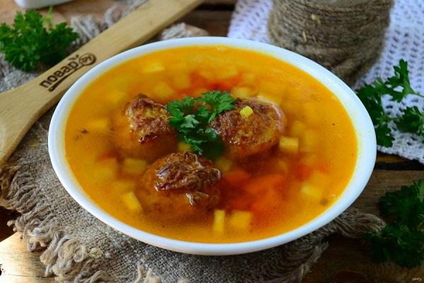 Свадебный суп с печеными фрикадельками