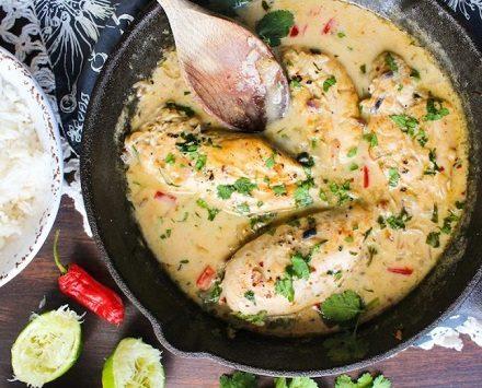 Курица с овощами в кокосовом соусе