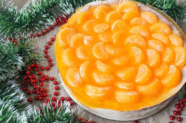 Сыроедческие рецепты: готовим мандариновый торт с хурмой